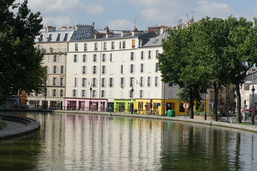 Sur le canal st martin à Paris