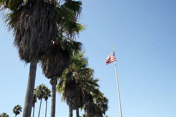 Los Angeles - Mlle Dubndidu