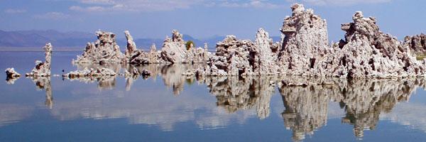 Mono Lake reflection - www.maathiildee.com