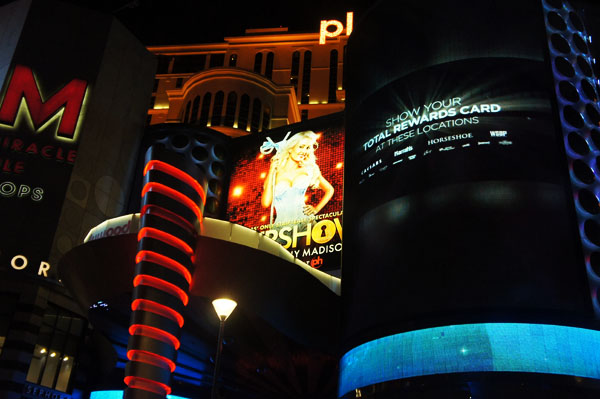 Vegas - www.maathiildee.com