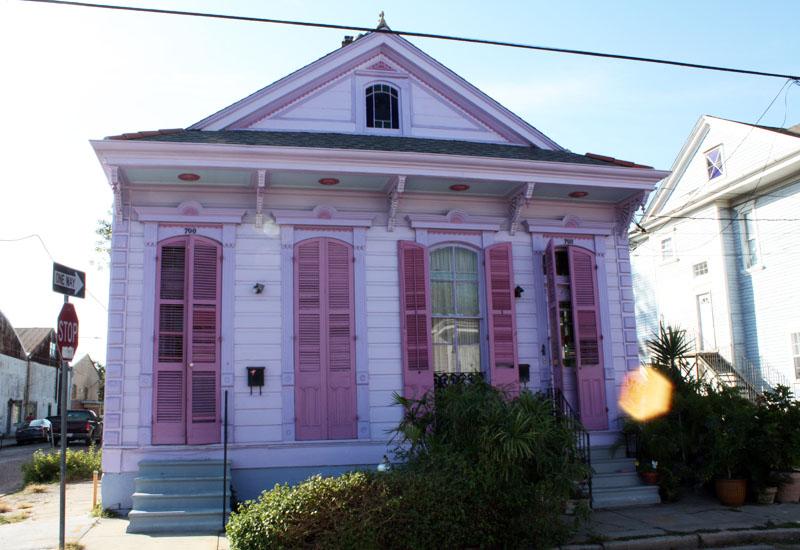 Jolie maison rose de Faubourg Marigny, New Orleans