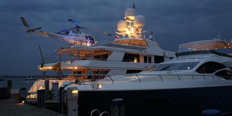 Nantucket yacht + hélicoptère