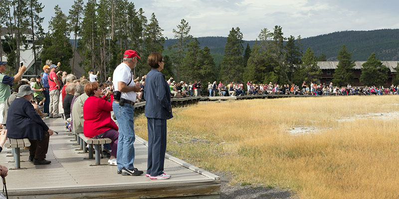Old Faithful, Yellowstone National Park - public