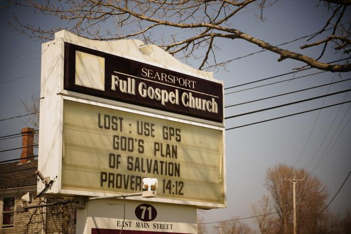 Panneau d'église vu dans le Maine