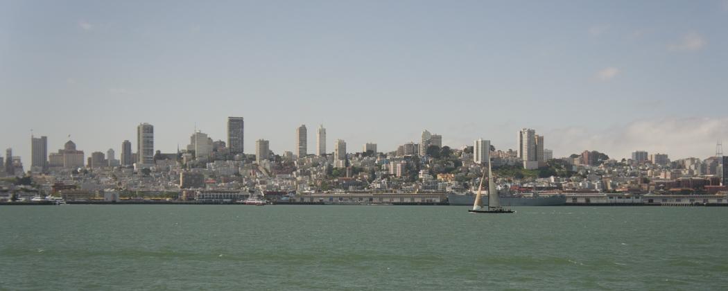 Vue de San Francisco depuis Alcatraz - la baie