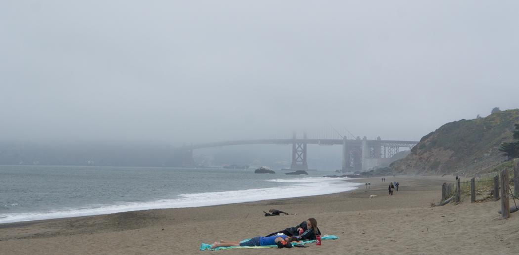 Le Golden Gate bridge sous le brouillard - fog - San Francisco  - Californie