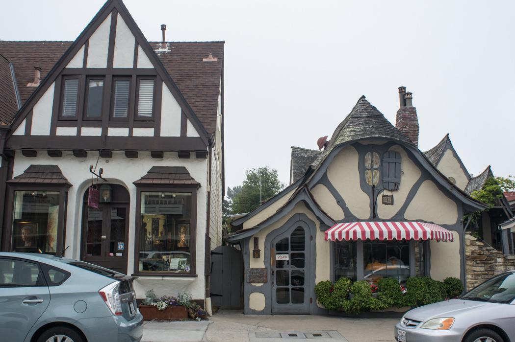 Jolies boutiques, restaurants et maisons à Carmel - Californie