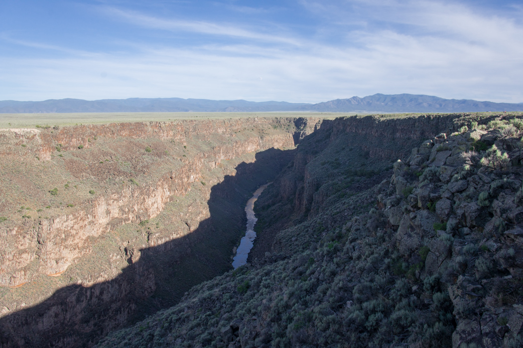 Le Rio Grande au Nouveau Mexique canyon au dessus du pont