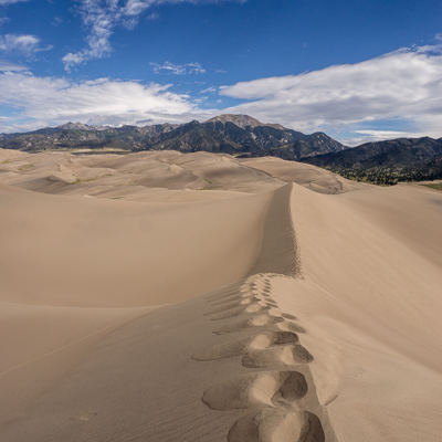 great sand dunes colorado marcher dans le sable
