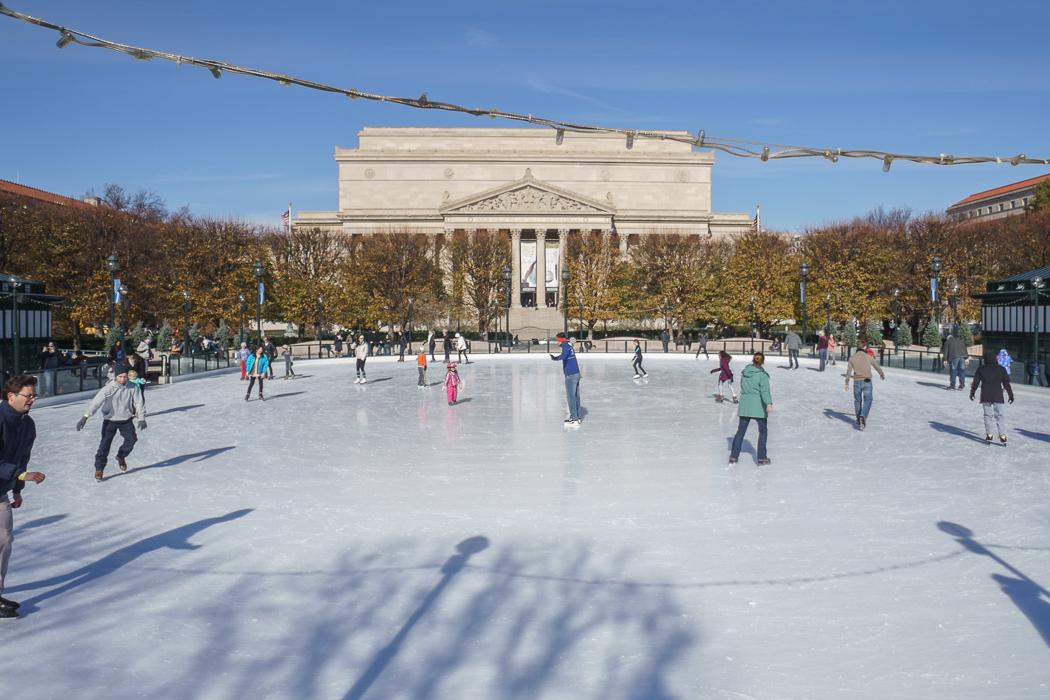 Washington DC - la patinoire devant les archives