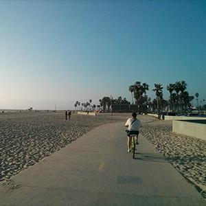 beach cruiser Santa Monica Los Angeles // www.maathiildee.com