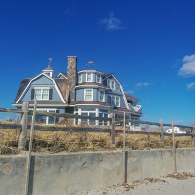Grande maison au bord de l'océan, Nouvelle Angleterre // Le blog de Mathilde www.maathiildee.com