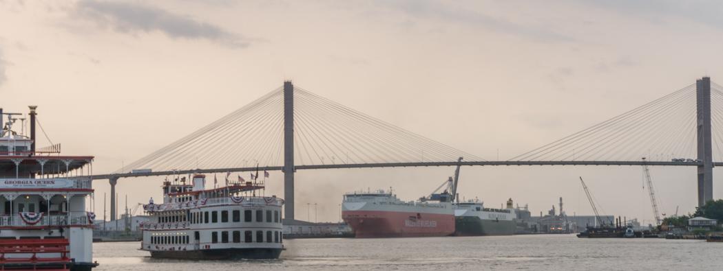 Visiter Savannah Georgie - pont et bateau à aubes