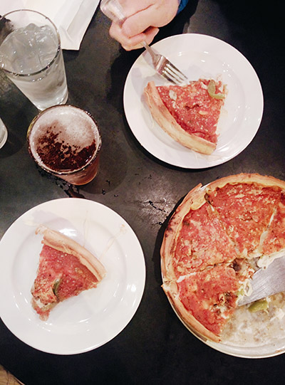 Deep dish pizza - la pizza de chicago
