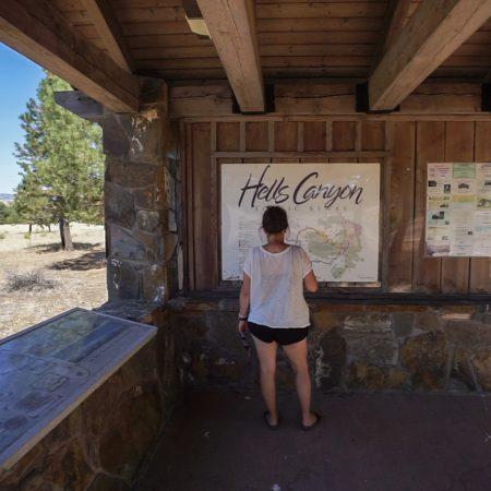 panneau hells canyon road-trip-oregon-12