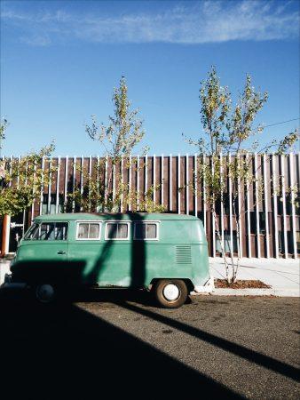 camionnette et ciel bleu portland